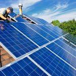 ¿Cómo funcionan los paneles solares de día y de noche?